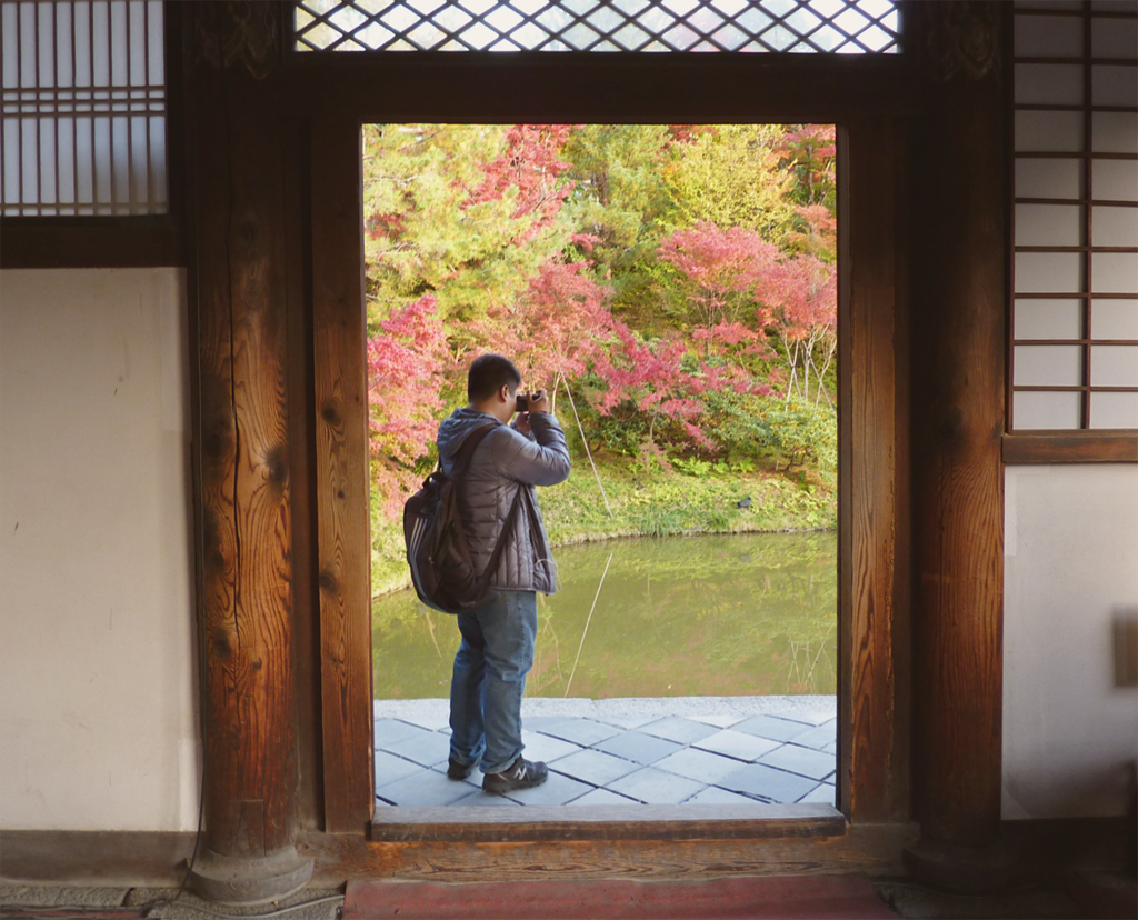 A trip through history in Kodai-ji Temple's extensive gardens