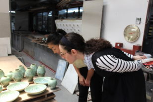 Warming up to the old and learning the new: International students visit one of Kyoto's kiyomizu-yaki pottery kilns!