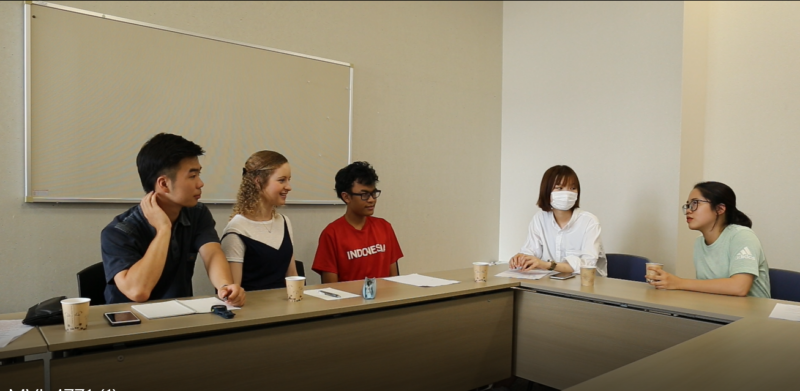 Students Explain the Difference Between Tokyo and Kyoto